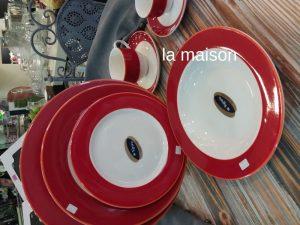 Σερβίτσιο πιάτων bone china